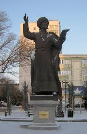یادبود شاعر و عالم مشهور طنز پرداز ترکمن -  محمد ولی کمینه